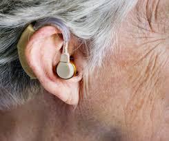Odlučila sam se koristiti Calminax(proizvođača) uglavnom zbog sastava proizvoda. Budući da sam želila obnoviti sluh, ovaj suplement činio mi se savršenim, jer je jamčio sigurnost djelovanja, a istodobno mi je dao priliku da poboljšam sluh.