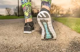 Iako, bez sredstva ili motivacije, ići u teretanu, postoje i druge metode da ostane u pokretu i da biste dobili osloboditi od viška masnoće. Otići u šetnju, plivati ili voziti bicikl, kad imate priliku.
